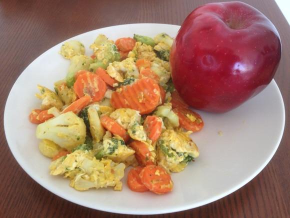 ไข่และผักกับแอปเปิ้ล