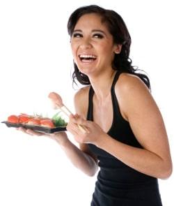 ผู้หญิงมีความสุขกับการกินซูชิ