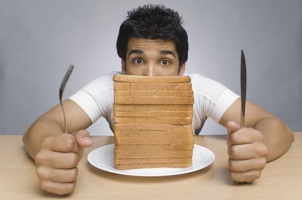 ผู้ชายกับขนมปังชิ้น