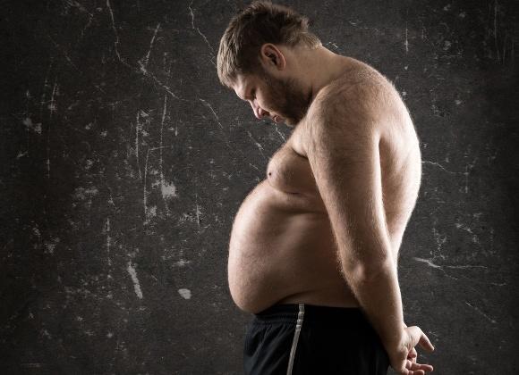 ผู้ชายน้ำหนักเกินดูสลดใจ