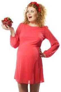 หญิงตั้งครรภ์กับสตรอเบอร์รี่