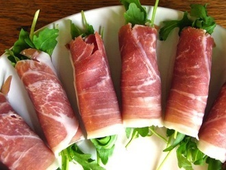 Prosciutto-Wrapped Arugula