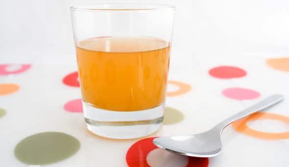 น้ำส้มสายชูแอปเปิ้ลไซเดอร์แบบไม่กรองกับแม่
